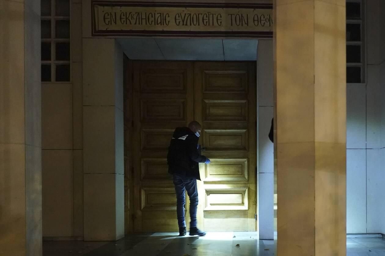 https://cdn.cnngreece.gr/media/news/2020/10/31/240815/photos/snapshot/Lyon-AP_20305673948187.jpg