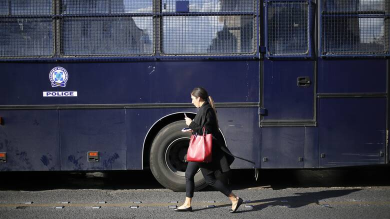 Απαγόρευση συγκεντρώσεων για τη διπλή δολοφονία στα γραφεία της Χρυσής Αυγής