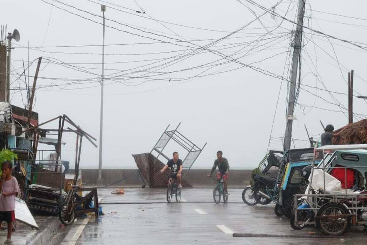 Φιλιππίνες: Τουλάχιστον τέσσερις νεκροί στον πιο ισχυρό τυφώνα του 2020