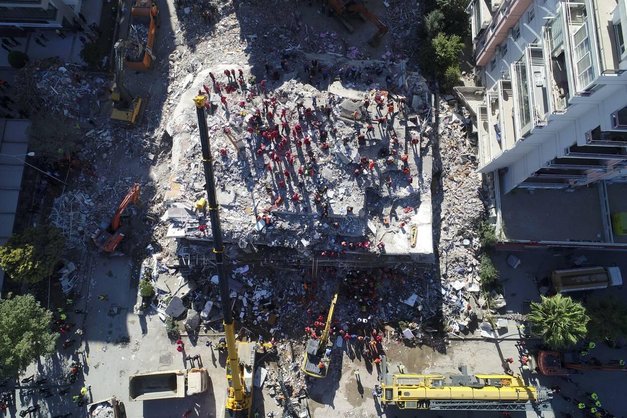 https://cdn.cnngreece.gr/media/news/2020/11/01/240870/photos/snapshot/tourkia_seismos-3.jpg