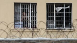 Σουβλιά, κινητά και κατσαβίδια: Αιφνιδιαστική έρευνα στις φυλακές Ναυπλίου, Κορυδαλλού και Δομοκού