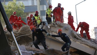 Σεισμός Σάμος: Εξανεμίζονται οι ελπίδες για επιζώντες στη Σμύρνη - Στους 60 οι νεκροί