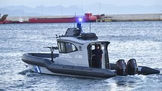 Νάξος: Πυρκαγιά σε τουριστικό σκάφος με τρεις επιβαίνοντες