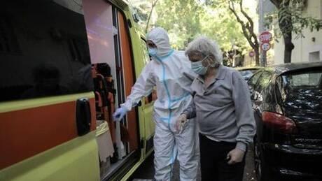 Κορωνοϊός: Τουλάχιστον 19 κρούσματα σε γηροκομείο του Πειραιά