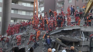 Σεισμός Σάμος: Στους 81 οι νεκροί στη Σμύρνη - 107 ανασύρθηκαν ζωντανοί από τα ερείπια