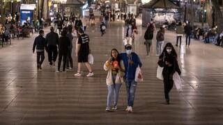 Κορωνοϊός: Η Ευρώπη αντιμέτωπη με το δεύτερο κύμα – Πιο αυστηρά γίνονται τα μέτρα