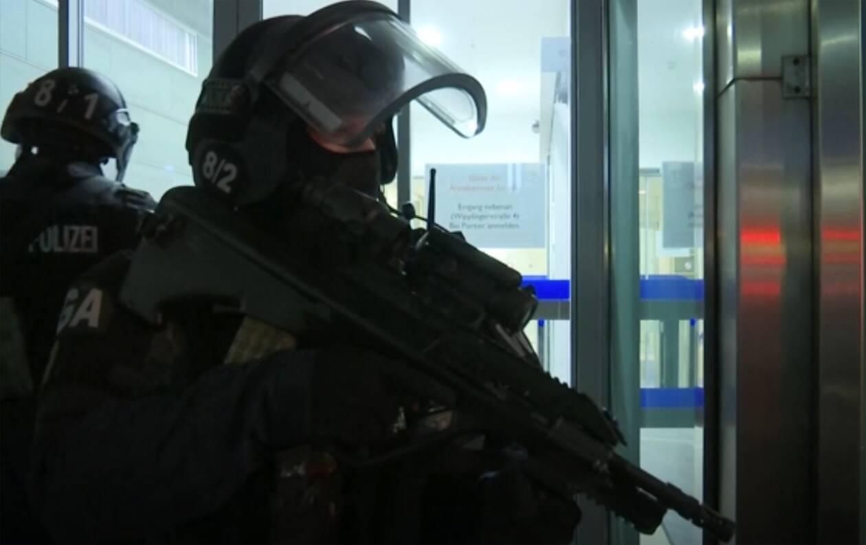 https://cdn.cnngreece.gr/media/news/2020/11/02/241078/photos/snapshot/Vienna-AP_20307749066484.jpg