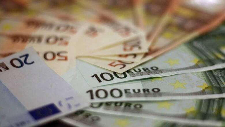 Κορωνοϊός: Έκτακτο επίδομα 400 ευρώ σε δικηγόρους, μηχανικούς, οικονομολόγους