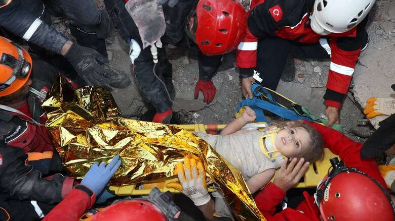 Σεισμός Σάμος: 4χρονη διασώθηκε στα συντρίμμια της Τουρκίας - Ήταν εγκλωβισμένη για 91 ώρες