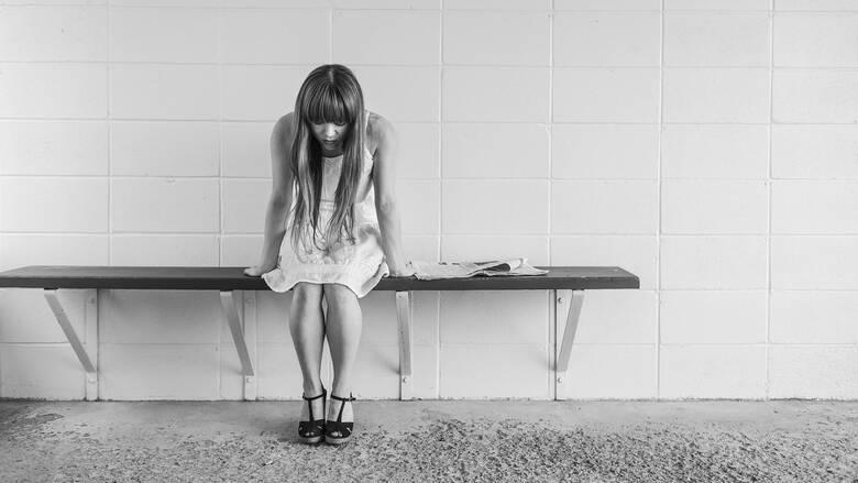 Κοινωνική απομόνωση: Μελέτη εξηγεί πώς αυξάνει τον κίνδυνο υπέρτασης για τις γυναίκες