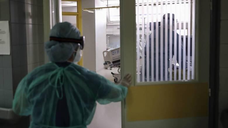 Κορωνοϊός: Τρεις ασθενείς κατέληξαν τις τελευταίες ώρες - 645 οι νεκροί στη χώρα