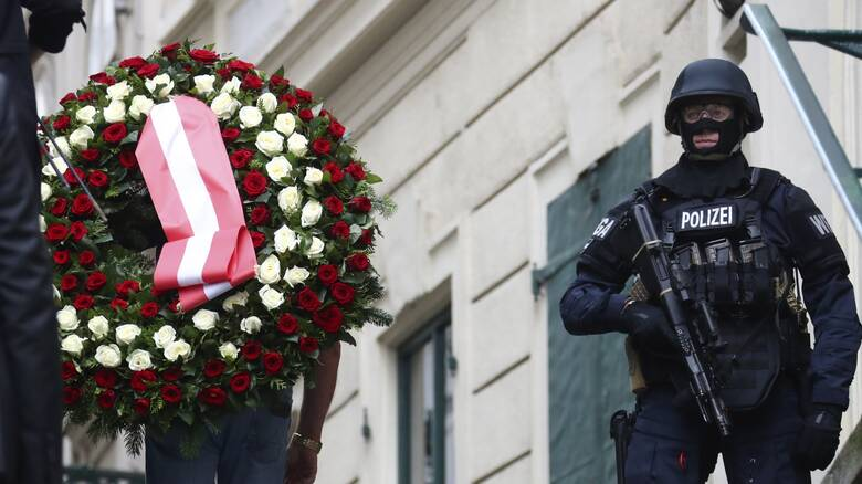 Επίθεση Βιέννη: 14 συλλήψεις ατόμων που συνδέονται με τον μακελάρη