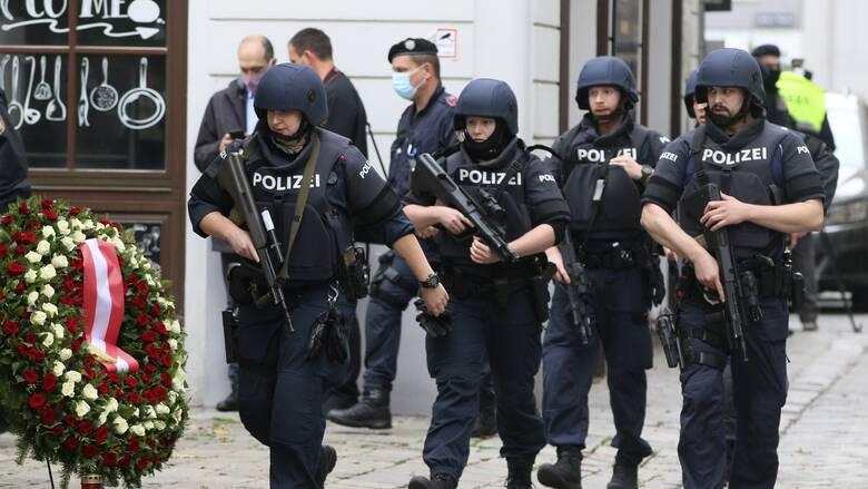 Τρομοκρατική επίθεση Βιέννη: Πληροφορίες για ανάληψη ευθύνης από ISIS - Στις 16 οι συλλήψεις