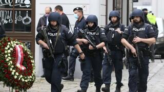 Τρομοκρατική επίθεση Βιέννη: Ανάληψη ευθύνης από τον ISIS - Στις 16 οι συλλήψεις