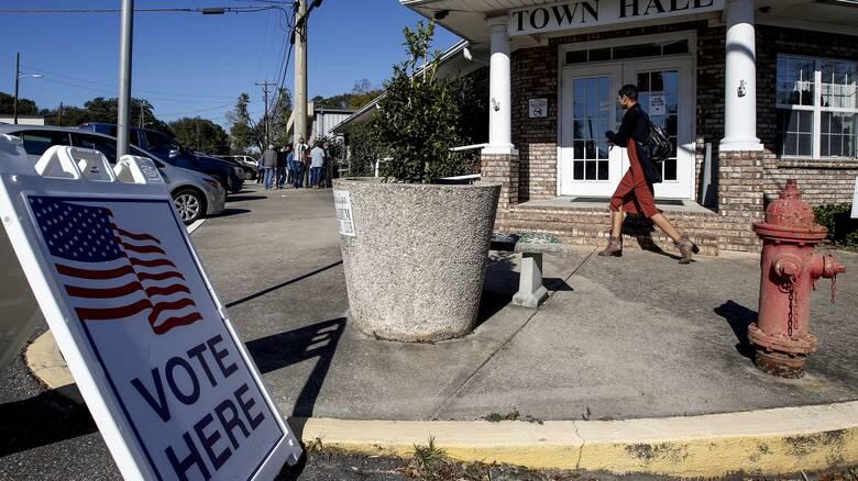 Εκλογές ΗΠΑ: Τι δείχνουν τα πρώτα στοιχεία των exit polls