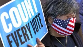 Εκλογές ΗΠΑ - Exit polls: Προβάδισμα Μπάιντεν σε γυναίκες και μη λευκούς ψηφοφόρους
