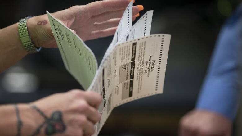 Εκλογές ΗΠΑ: Ένας στους δέκα Αμερικανούς ψήφισε για πρώτη φορά