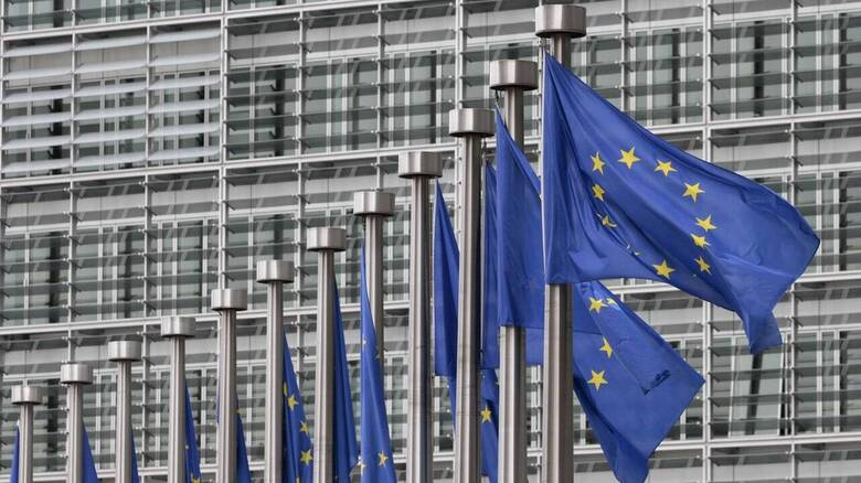 Ύφεση 9% προβλέπει η Κομισιόν για την Ελλάδα το 2020