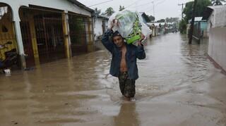 Ονδούρα: Ο κυκλώνας Ήτα συνεχίζει να σκορπά την καταστροφή σε χώρες της κεντρικής Αμερικής
