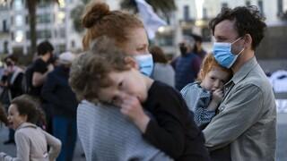 Κορωνοϊός: Γιατί τα παιδιά αναπτύσσουν πιο εξασθενημένα αντισώματα σε σχέση με τους μεγάλους