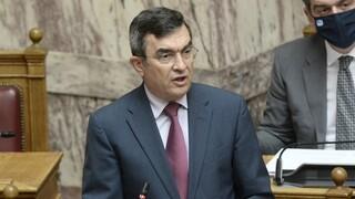 Στη Βουλή το πόρισμα της Επιτροπής Αλιβιζάτου - Οικονόμου: Ουδείς έχει ασυλία κάτω από τη στολή