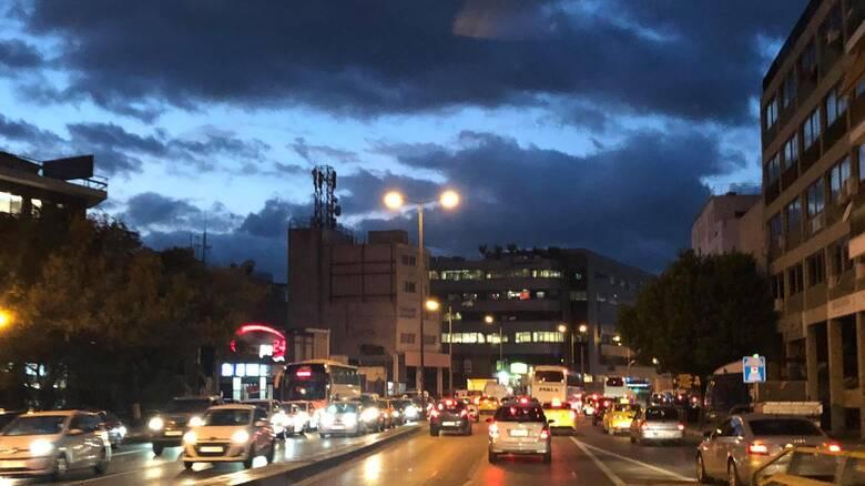 Lockdown: Κυκλοφοριακό έμφραγμα στο κέντρο - Μαζική έξοδος από την πρωτεύουσα