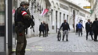 Επίθεση Βιέννη: Λάθη των Αρχών παραδέχεται ο ΥΠΕΣ – Σε διαθεσιμότητα ο επικεφαλής αντιτρομοκρατικής