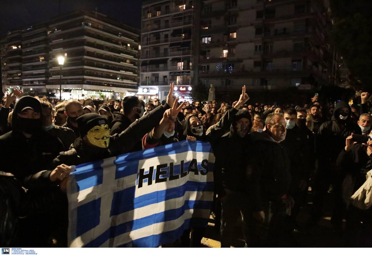 https://cdn.cnngreece.gr/media/news/2020/11/07/241683/photos/snapshot/thessaloniki-epeisodia-covid-5.jpg