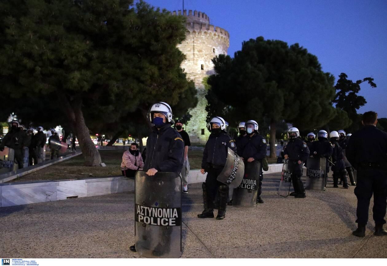 https://cdn.cnngreece.gr/media/news/2020/11/07/241683/photos/snapshot/thessaloniki-epeisodia-covid-6.jpg