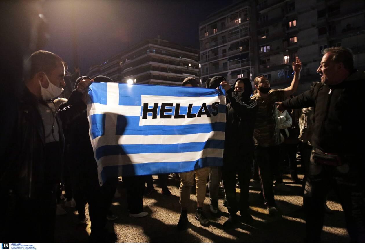 https://cdn.cnngreece.gr/media/news/2020/11/07/241683/photos/snapshot/thessaloniki-epeisodia-covid-7.jpg