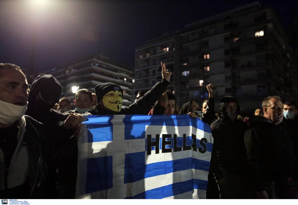 https://cdn.cnngreece.gr/media/news/2020/11/07/241683/photos/snapshot/thessaloniki-epeisodia-covid-8.jpg