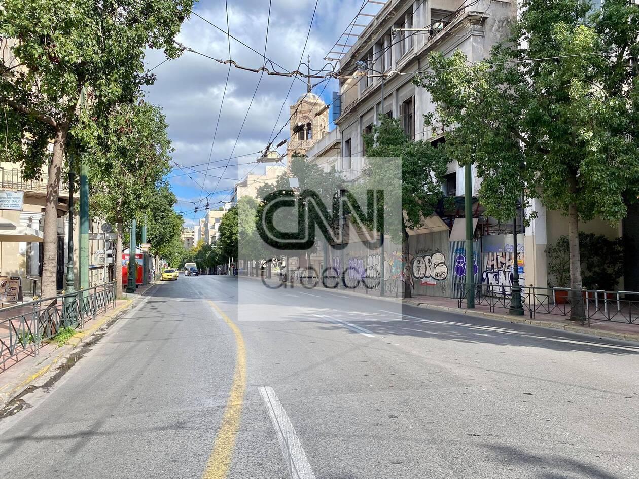 https://cdn.cnngreece.gr/media/news/2020/11/07/241697/photos/snapshot/adeio-kentro-athinas.jpg