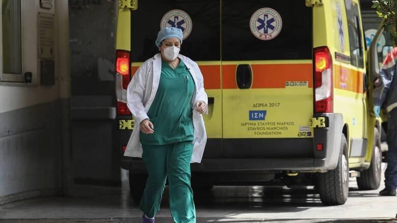 Κορωνοϊός: Κατέληξαν 12 ασθενείς τις τελευταίες ώρες - Στους 737 οι νεκροί
