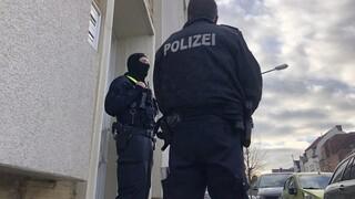 Επίθεση στη Βιέννη: Δύο άνδρες που συνελήφθησαν στην Ελβετία είχαν επισκεφθεί τον δράστη