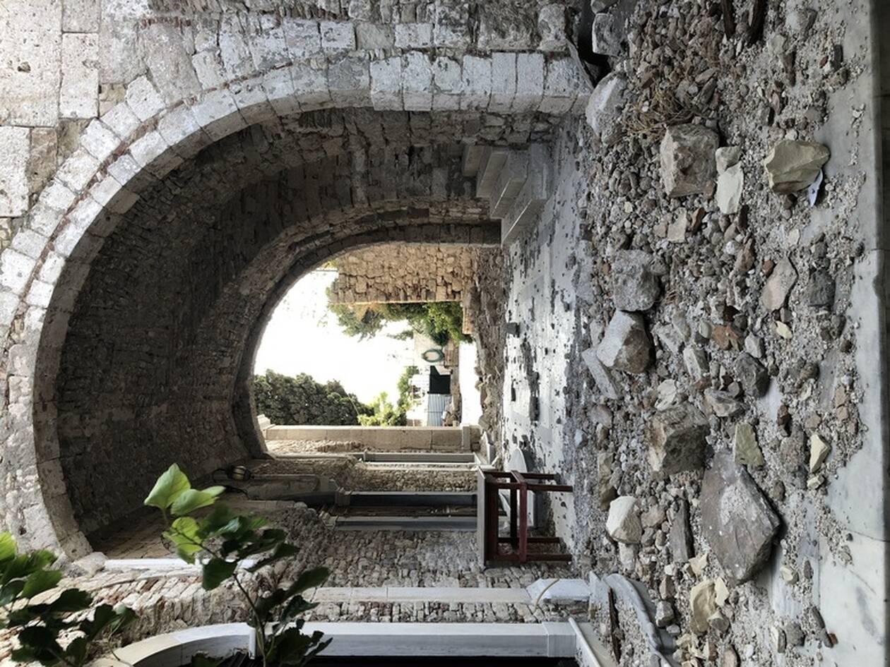 https://cdn.cnngreece.gr/media/news/2020/11/08/241863/photos/snapshot/MENDONI-SAMOS-3.jpg