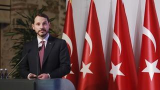 Τουρκία: Το μυστήριο με την παραίτηση του υπουργού Οικονομικών Μπεράτ Αλμπαϊράκ