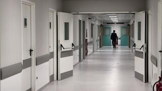 Κορωνοϊός: Αγωνία για τους διασωληνωμένους – «Σαρώνει» όλη την Ελλάδα η πανδημία