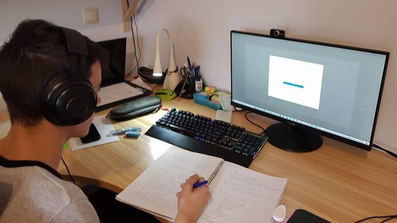 Lockdown - Μετ' εμποδίων η πρώτη μέρα της τηλεπαίδευσης: Τι λένε οι μαθητές, τι απαντά το υπουργείο