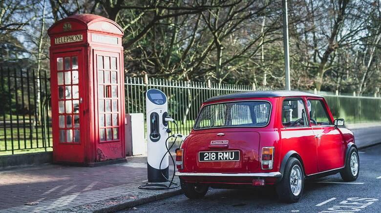 Αυτοκίνητο: Δεύτερη νεότητα για το κλασικό Mini ως ηλεκτρικό