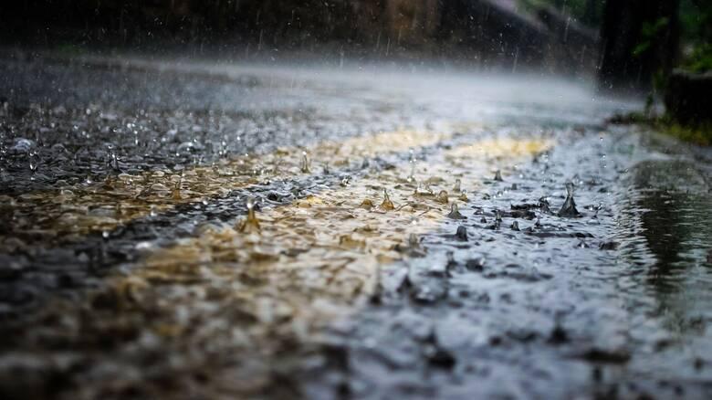 Καιρός: Έντονα φαινόμενα στην Κρήτη – Τοπικές βροχές σε όλη τη χώρα σήμερα