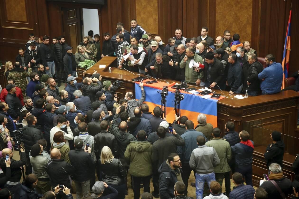 https://cdn.cnngreece.gr/media/news/2020/11/10/242058/photos/snapshot/nagorno-1.jpg