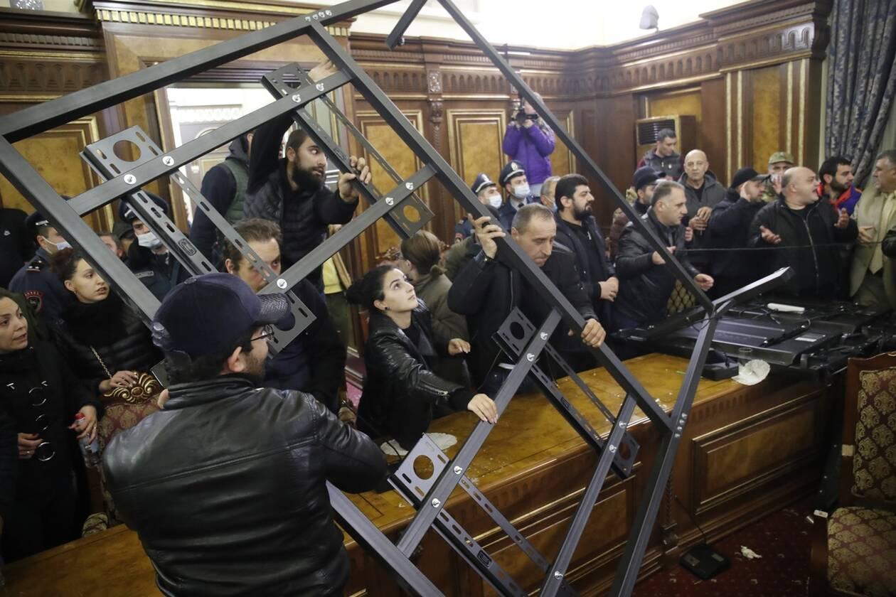 https://cdn.cnngreece.gr/media/news/2020/11/10/242066/photos/snapshot/nagorno-7.jpg