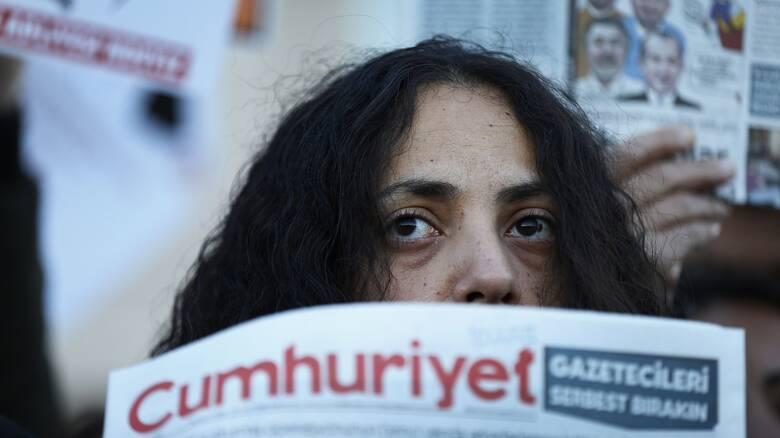 Τουρκία: «Καμπάνα» από το Ευρωπαϊκό Δικαστήριο για τις προφυλακίσεις δημοσιογράφων