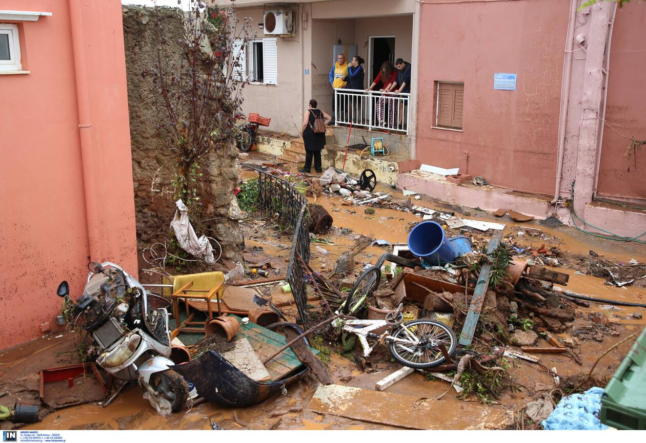 https://cdn.cnngreece.gr/media/news/2020/11/10/242142/photos/snapshot/kakokairia-krhth-katastrofes-16.jpg