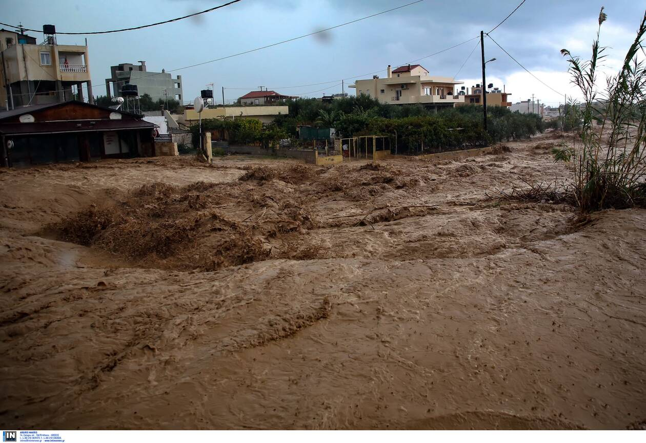https://cdn.cnngreece.gr/media/news/2020/11/10/242142/photos/snapshot/kakokairia-krhth-katastrofes-3.jpg