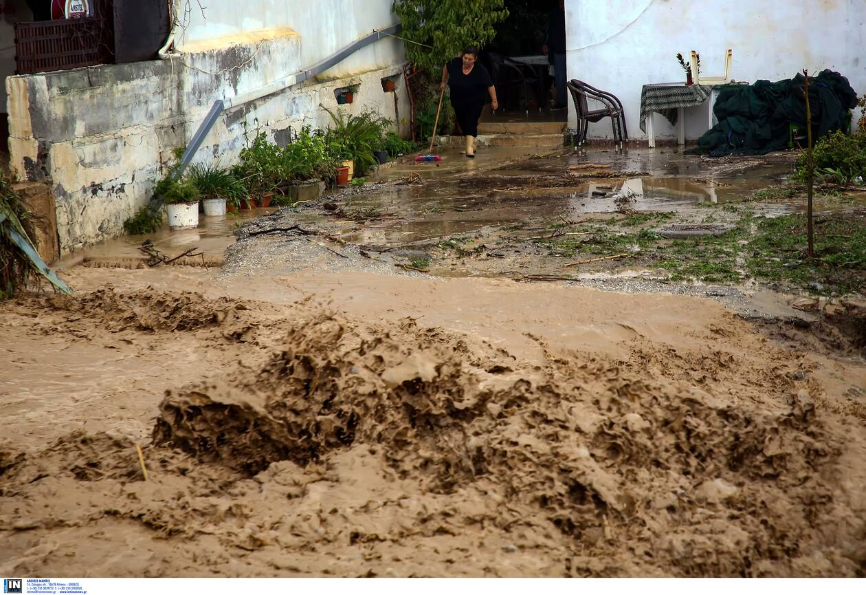 https://cdn.cnngreece.gr/media/news/2020/11/10/242142/photos/snapshot/kakokairia-krhth-katastrofes-5.jpg