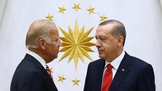 Σύμβουλος Μπάιντεν: Ανεύθυνη και επιθετική η Τουρκία - «Όχι» στην επιβολή κυρώσεων