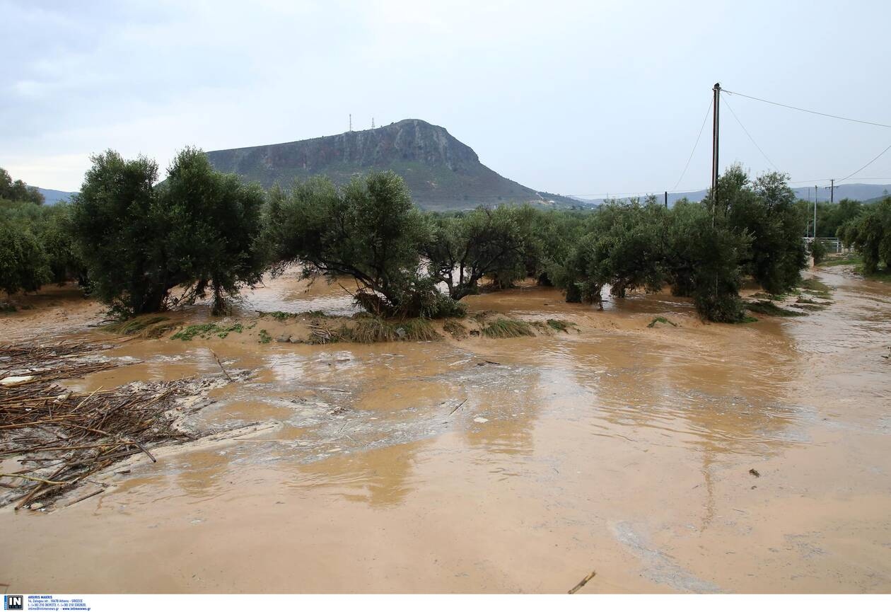https://cdn.cnngreece.gr/media/news/2020/11/11/242224/photos/snapshot/kakokairia-krhth-katastrofes-8.jpg