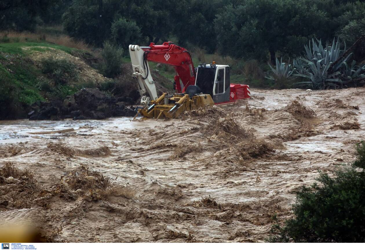 https://cdn.cnngreece.gr/media/news/2020/11/11/242231/photos/snapshot/kakokairia-krhth-katastrofes-2.jpg