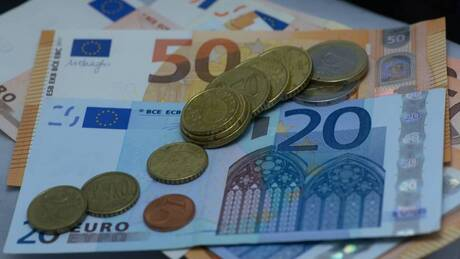 Αποκλειστικό: Μέχρι αύριο η ΚΥΑ για τα επιδόματα ανεργίας – Την Παρασκευή η διάταξη για τα 800 ευρώ